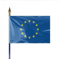 Drapeau Europe sur hampe en bois gainée bleue