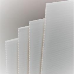 plaque plastique polypropyléne alvéolaire 450 gr # MP0111