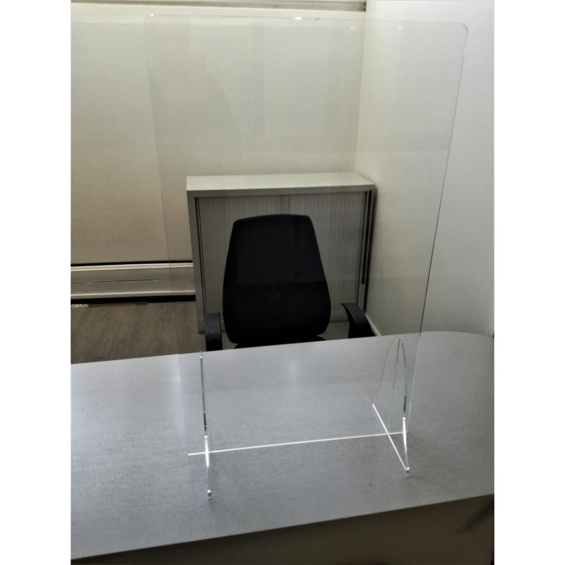 vitre plexiglas de protection du personnel des virus