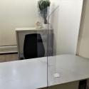Vitre de protection Hygiavirus pour bureau et comptoir en plexiglas
