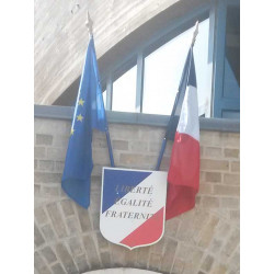 Ecusson Liberté Egalité Fraternité avec drapeau francais et drapeau europeen